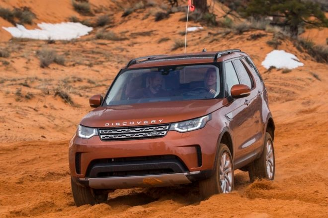 2017 Land Rover Discovery Off Road 10 660x440