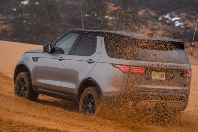2017 Land Rover Discovery off road 42