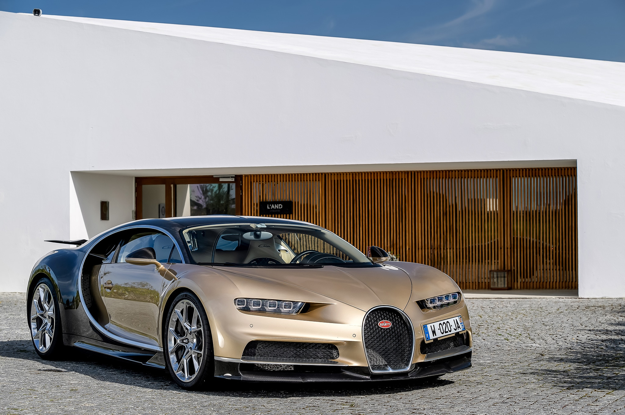 special pleasantly slacken hifi speed at cabin extra car chiron is some noisy index dampers bugatti so review gear strong ride diamond supple the top veyron but was and