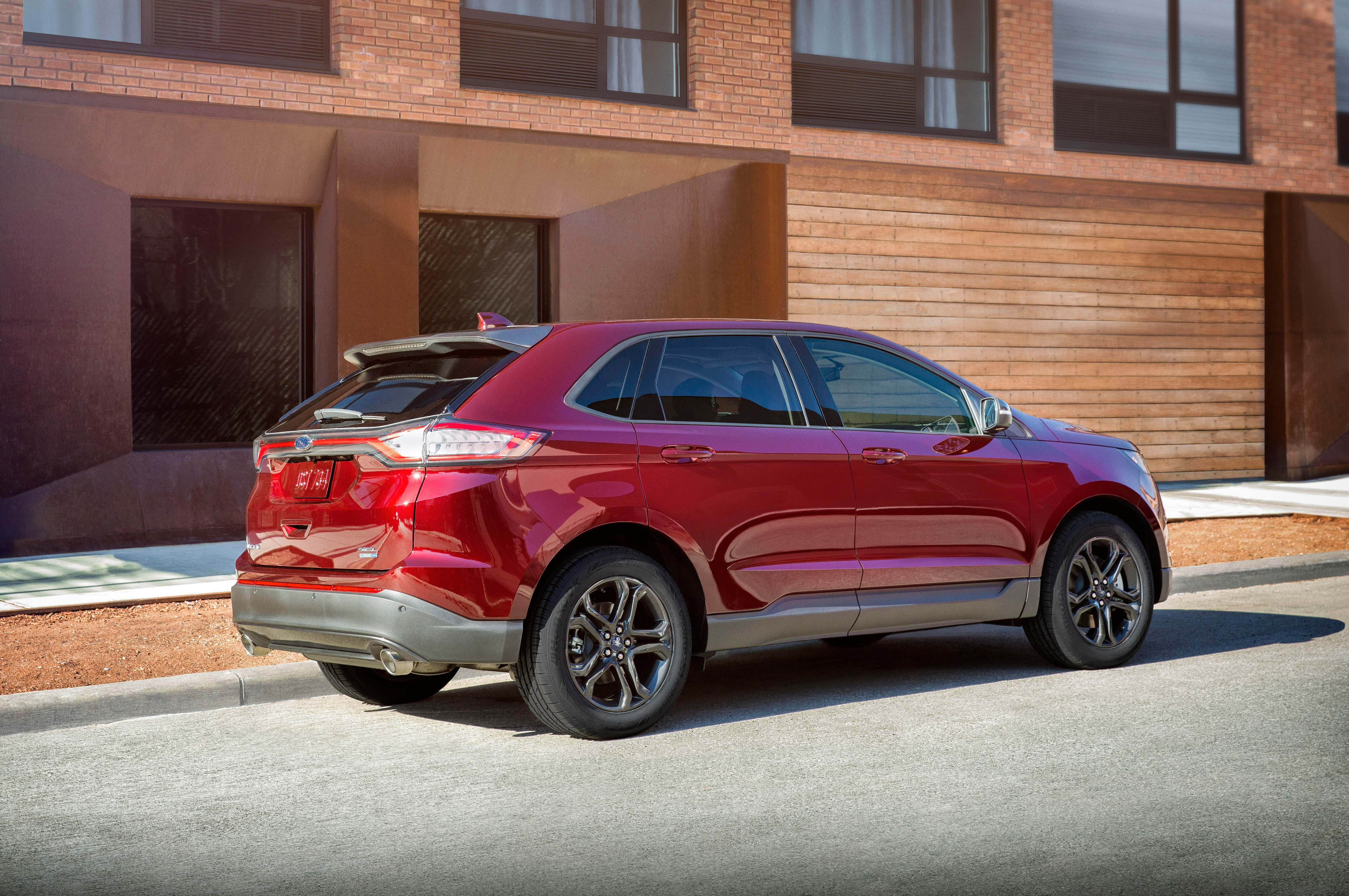 Ford Edge Sel Specs  Ford Edge Adds Sel Sport Appearance Package