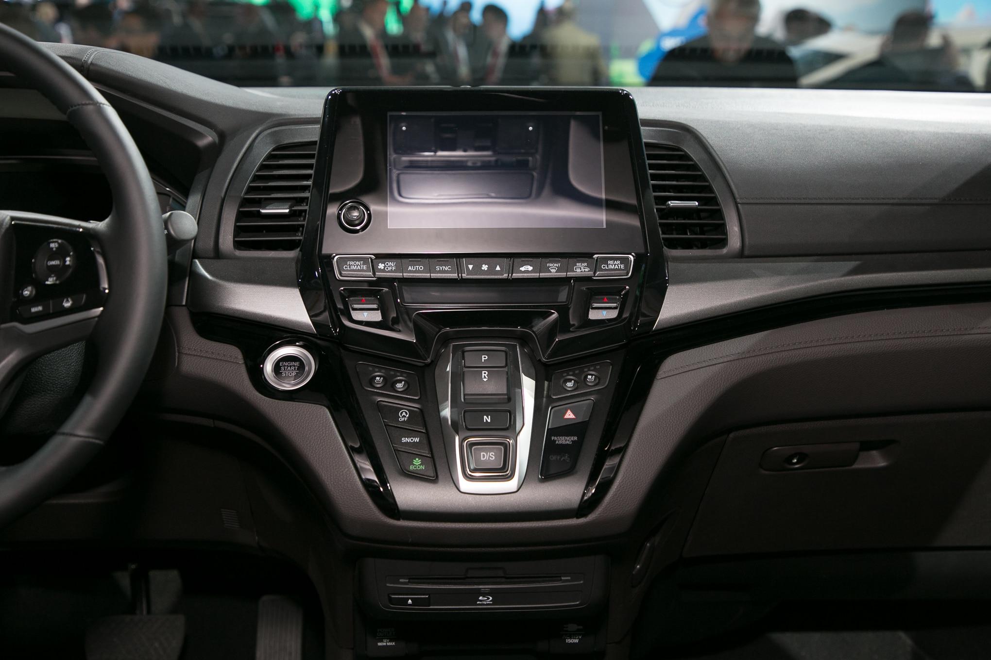 First 2018 Honda Odyssey Minivan Rolls Off the Assembly ...