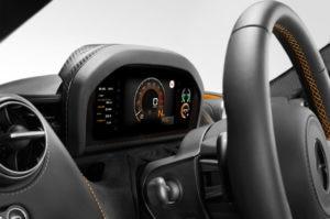 2018-McLaren-720S-folding-driver-display-cluster