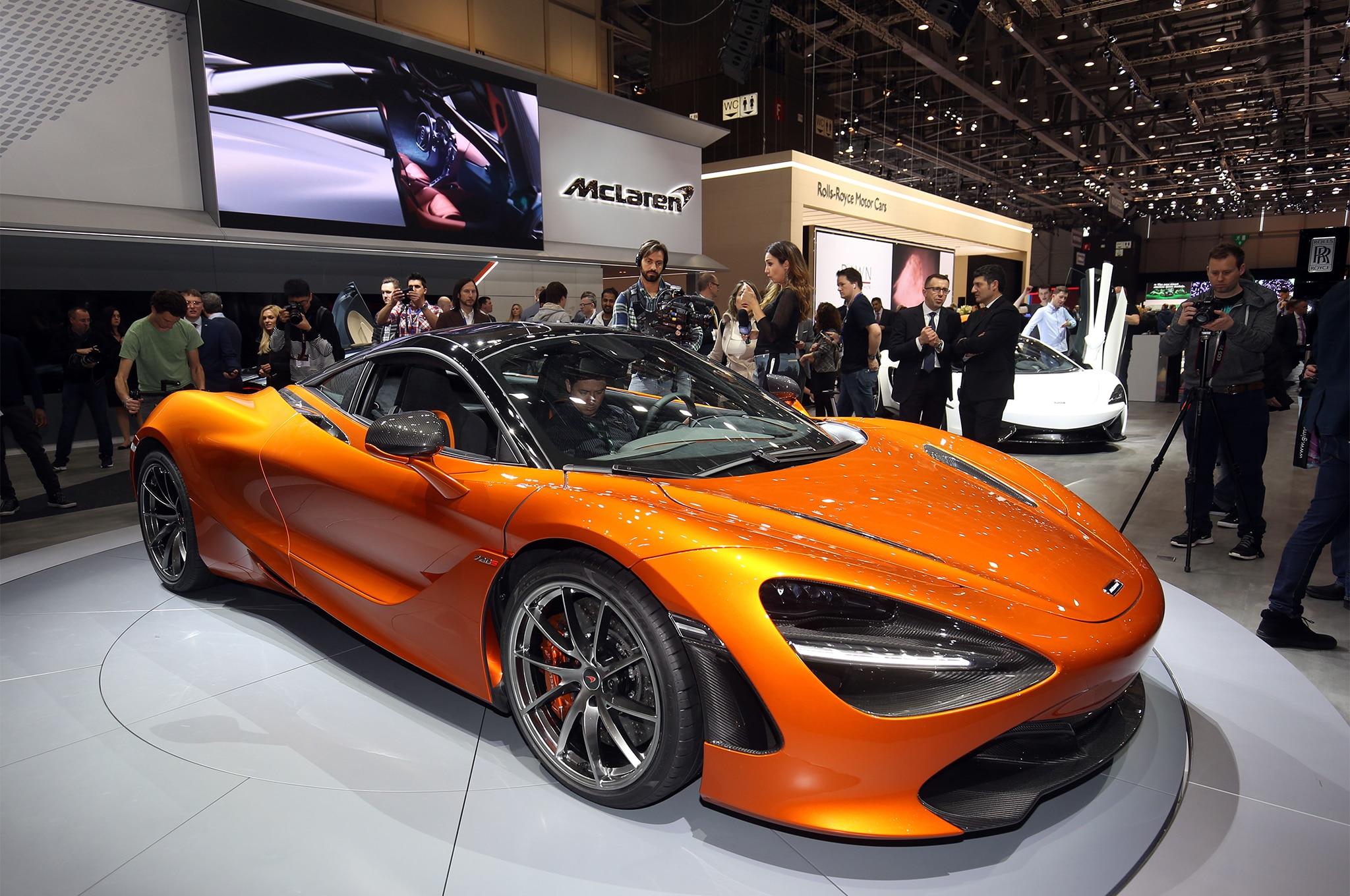 2018 McLaren 720S Front Three Quarter 02