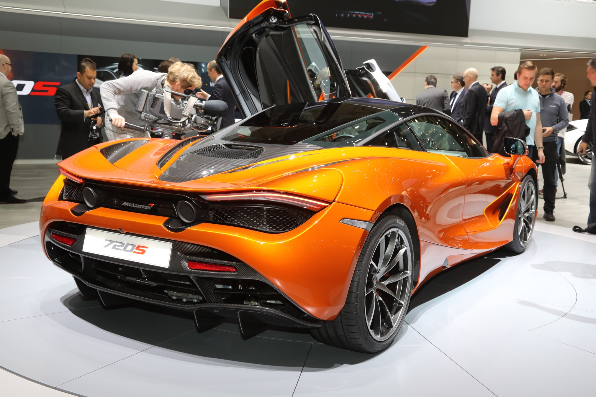 2018 McLaren 720S Rear Three Quarter 2