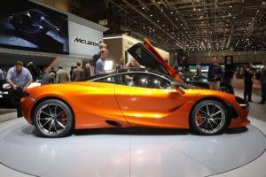 2018-McLaren-720S-side