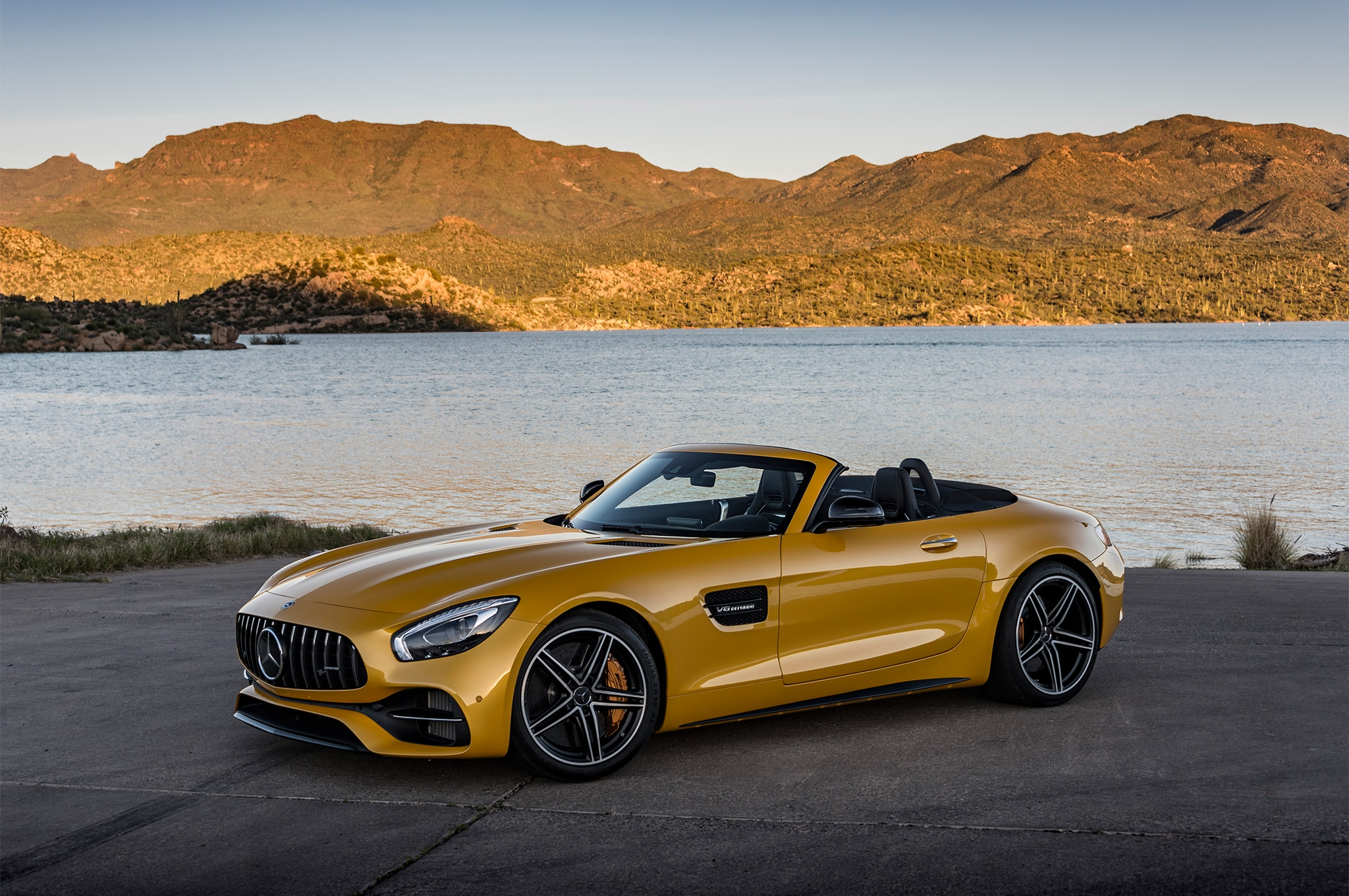 2018 mercedes amg gt and gt c roadster first drive review automobile magazine. Black Bedroom Furniture Sets. Home Design Ideas