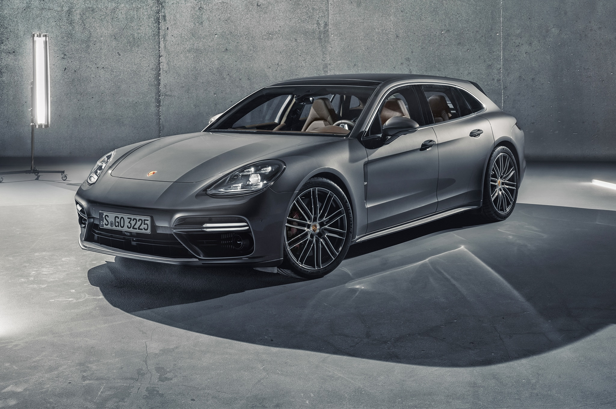 2018 porsche panamera sport turismo unveiled automobile. Black Bedroom Furniture Sets. Home Design Ideas
