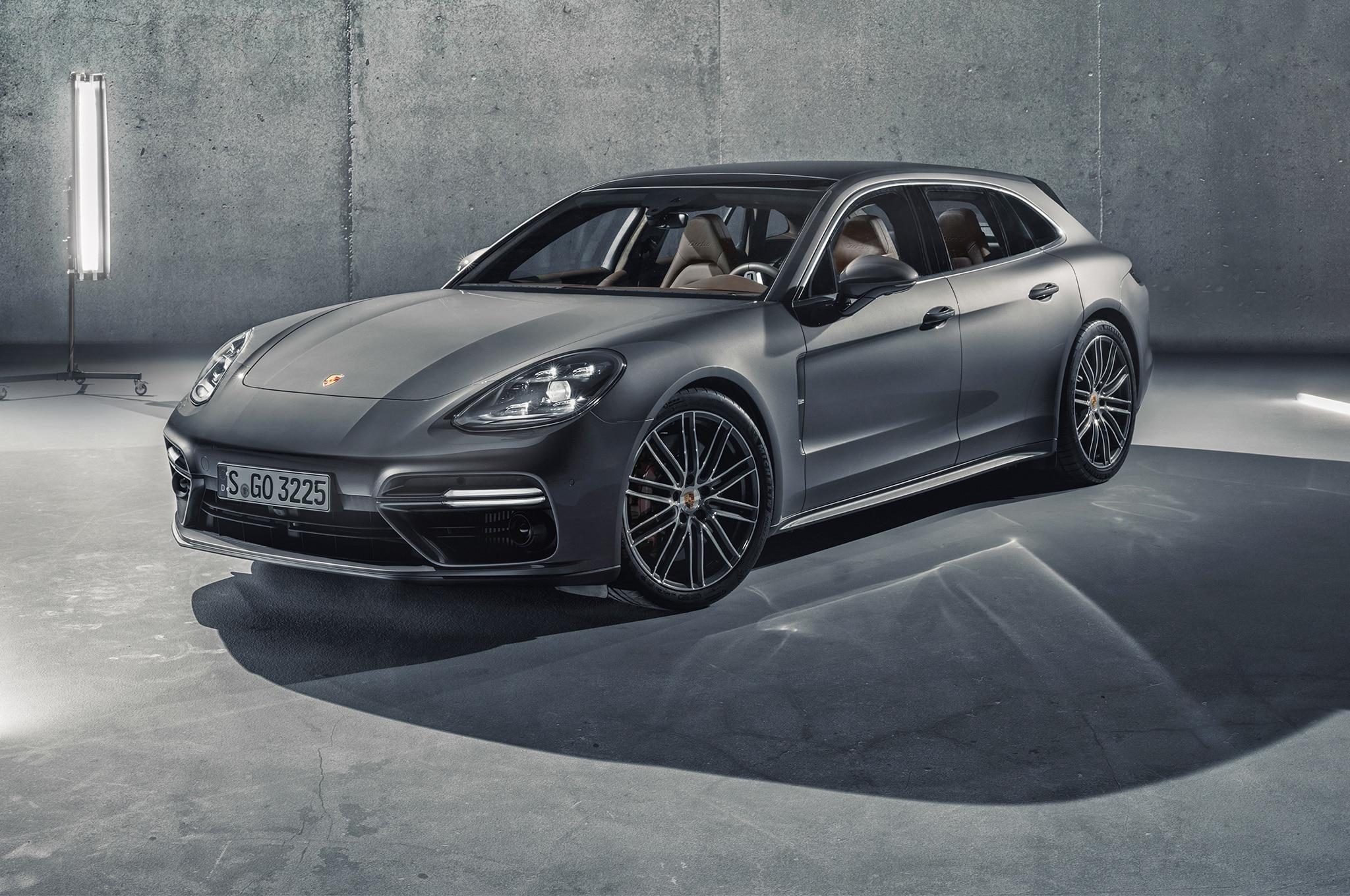 2018 Porsche Panamera Sport Turismo Front Three Quarter