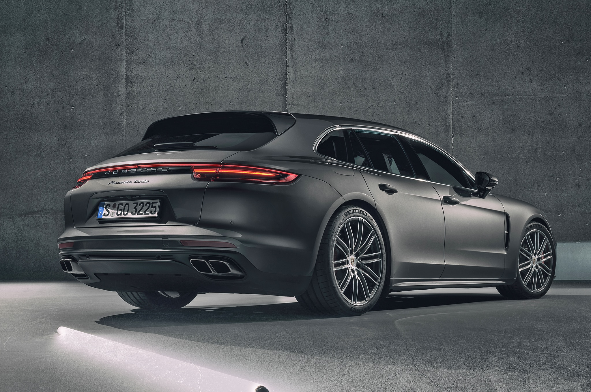 2018 Porsche Panamera Sport Turismo Rear Three Quarter