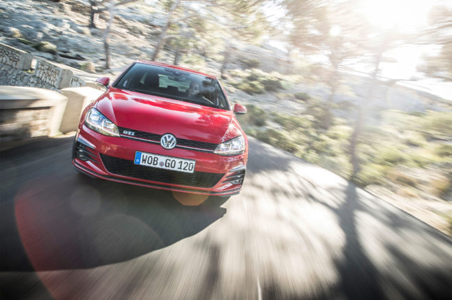 2018 Volkswagen Golf GTI European Spec front view in motion 01