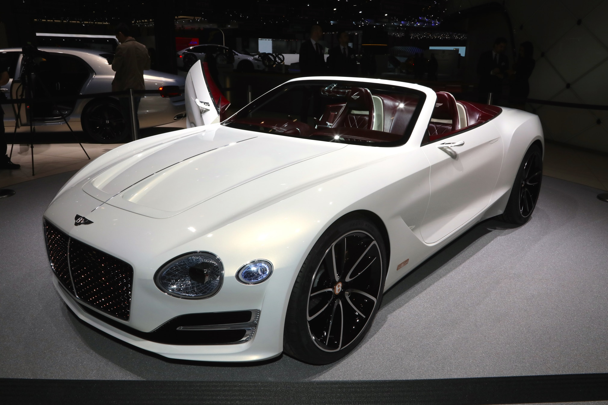 First Look: Bentley EXP12 6e Concept