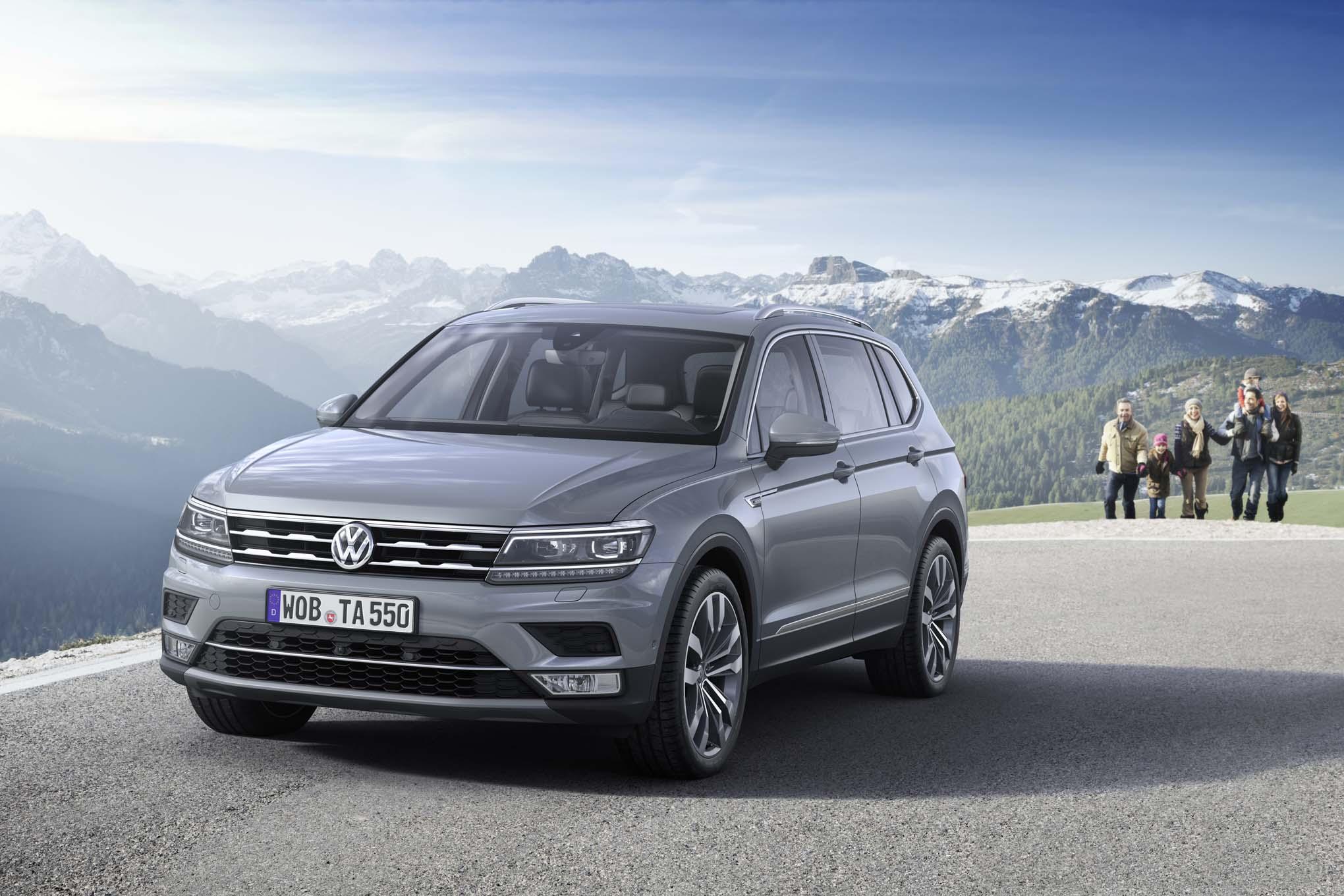 European Spec Volkswagen Tiguan Allspace Front Three Quarter 02