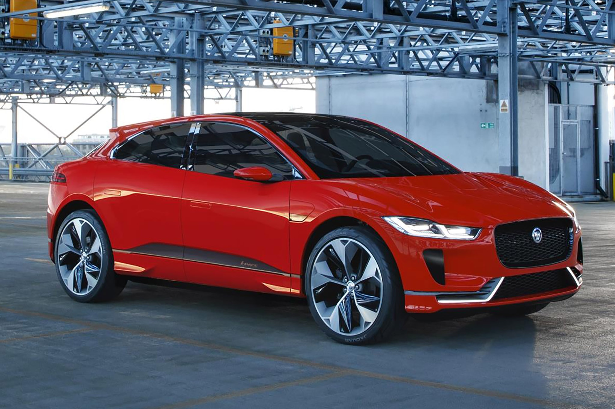 Jaguar I-Pace Concept Electrifies the Streets of London ...