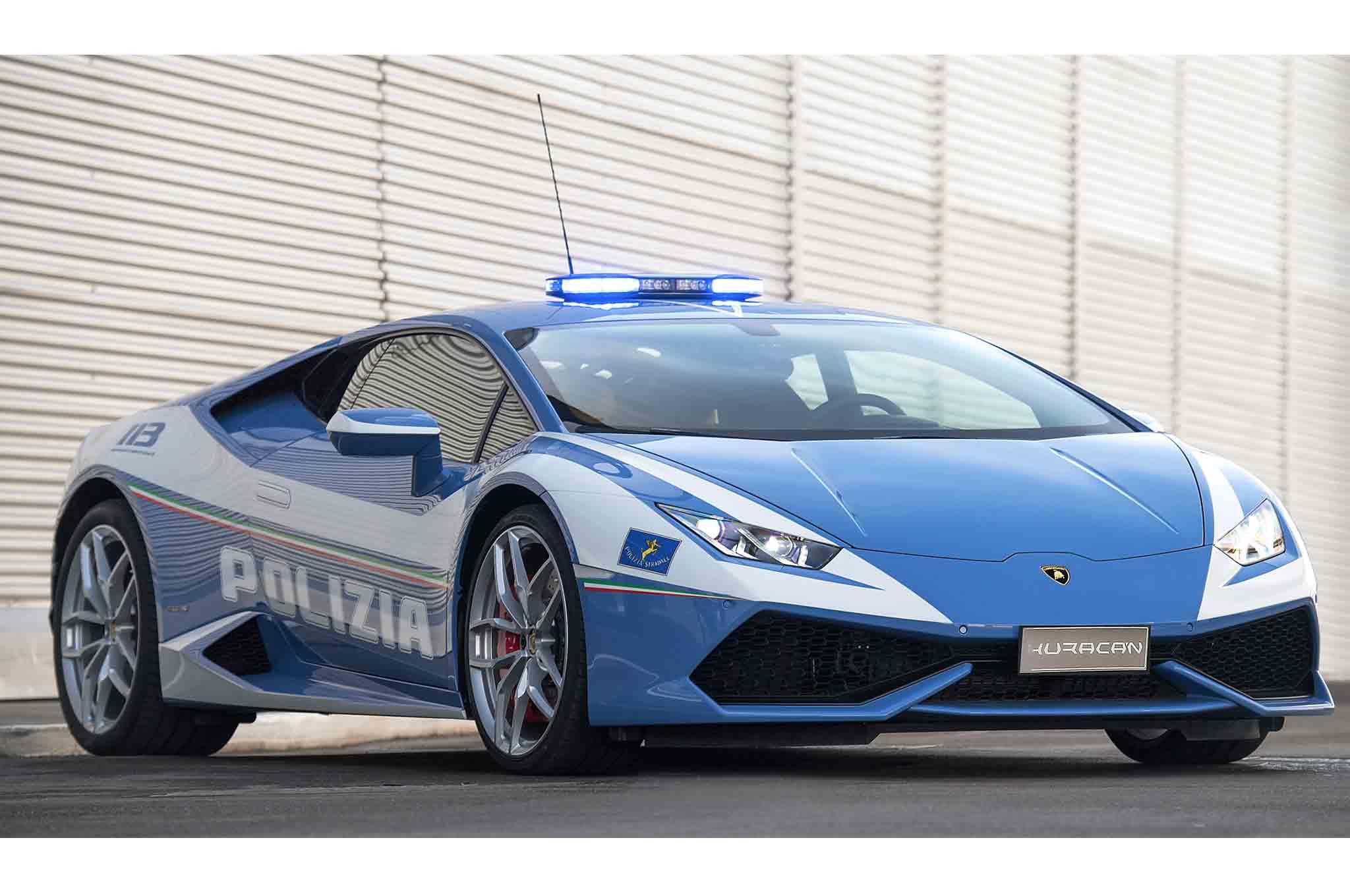 Lamborghini Huracan Polizia Front Three Quarter 1