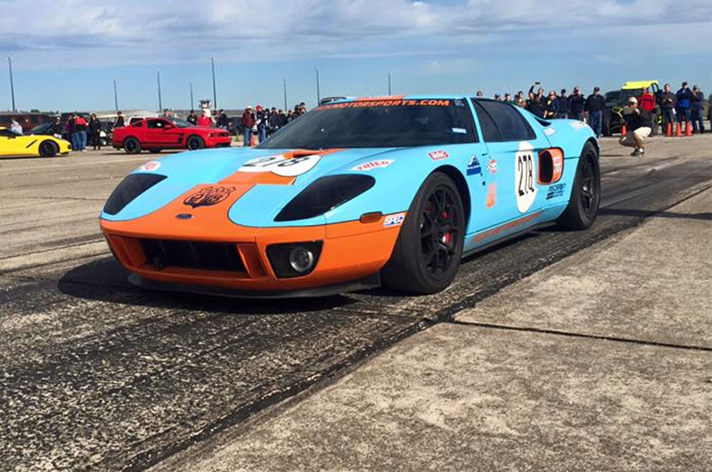 video twin turbo 2006 ford gt hits 293 6 mph at the texas. Black Bedroom Furniture Sets. Home Design Ideas