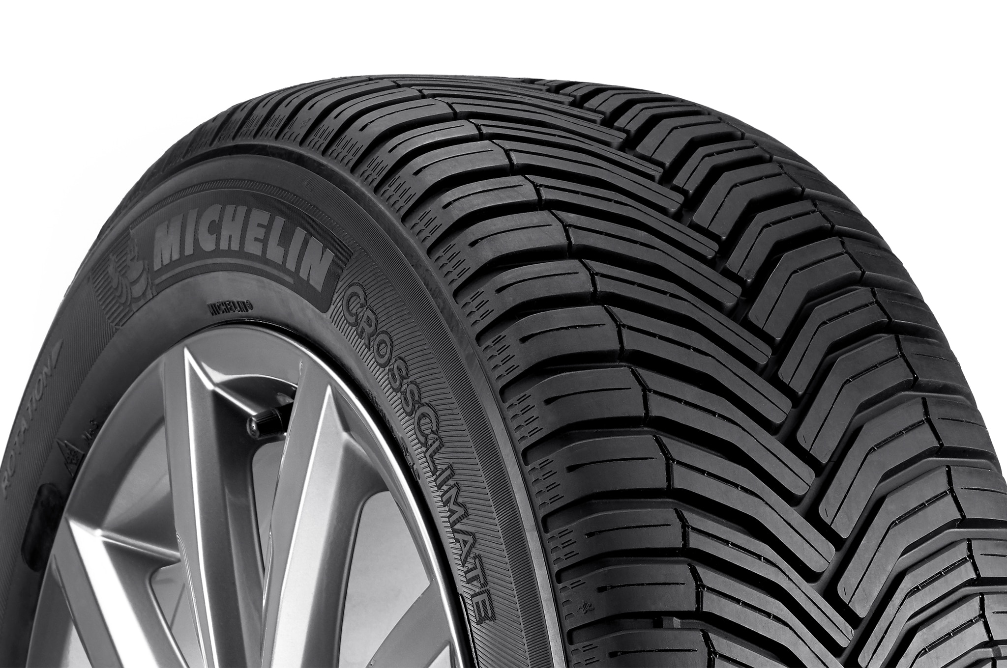 michelin crossclimate a new type of tire automobile magazine. Black Bedroom Furniture Sets. Home Design Ideas
