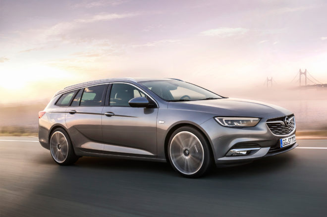 Opel Insignia Sports Tourer Front Three Quarter In Motion 660x438