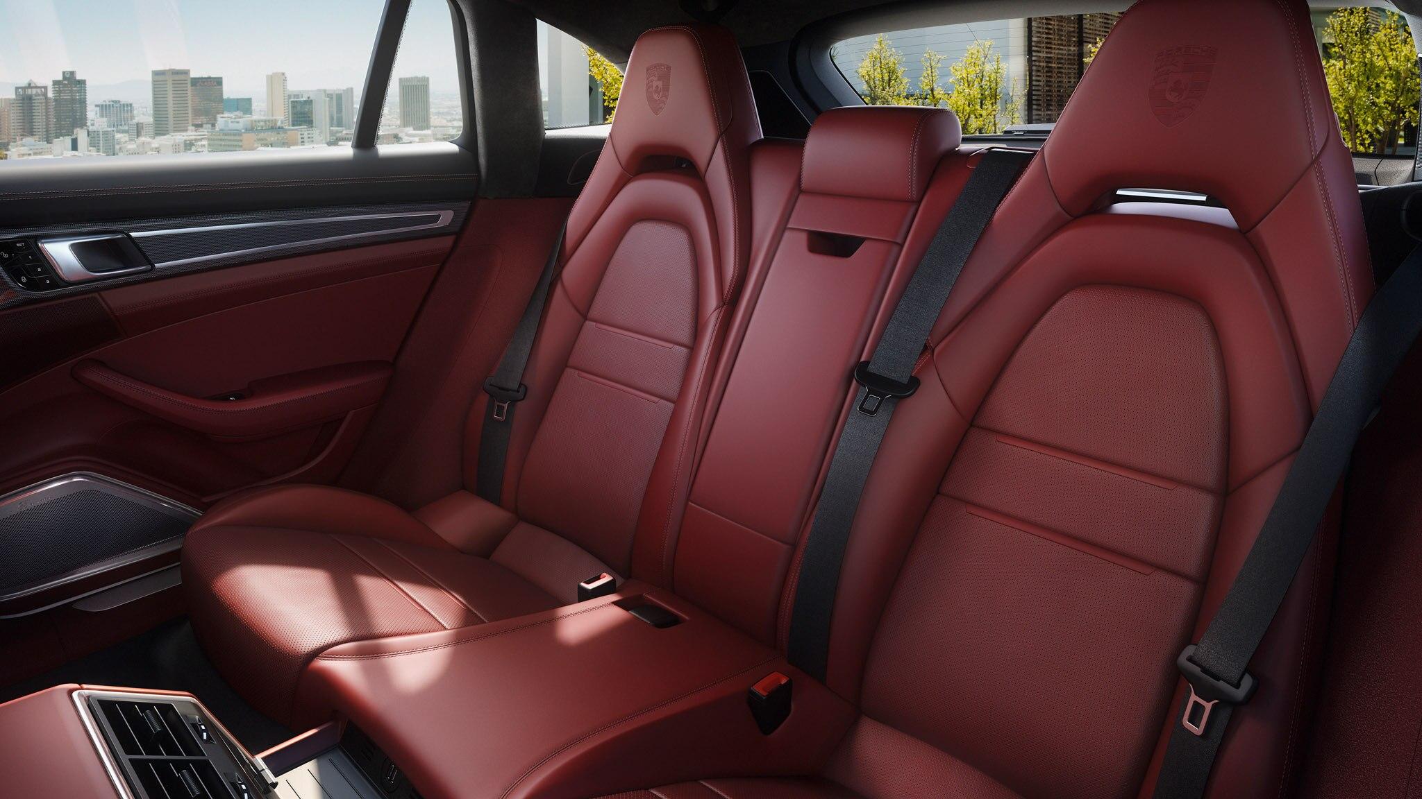 Porsche Panamera 4 E Hybrid Sport Turismo 21 Rear Seat Configuration