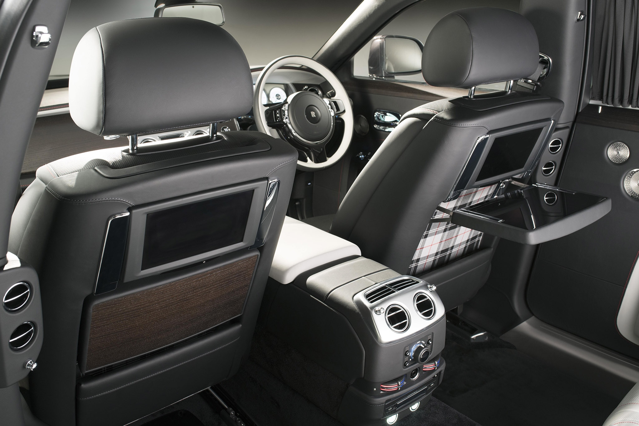 Rolls Royce Ghost Extended Wheelbase Elegance Set To Shine At Geneva Motor Show Automobile Magazine
