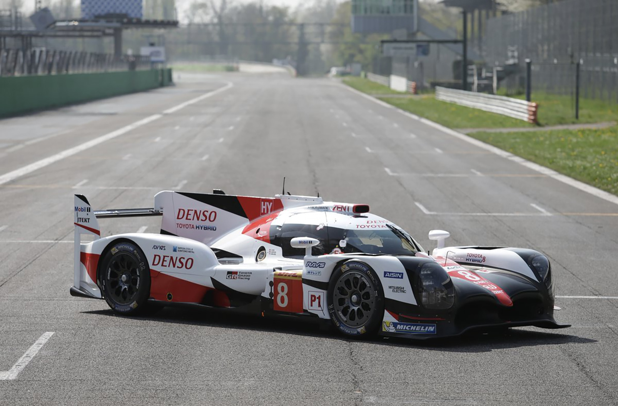 Porsche and Toyota Debut LMP1 Race Cars Ahead of Silverstone ...