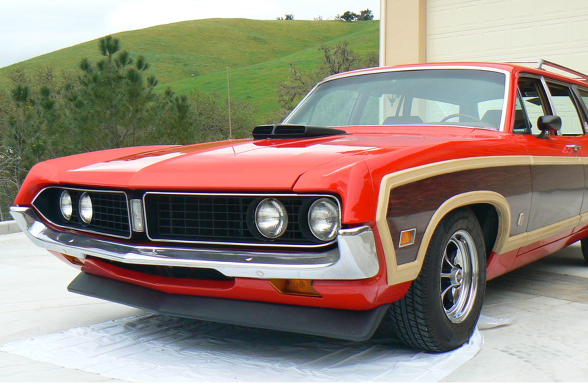 1971 Ford Torino Squire Wagon Front Three Quarters