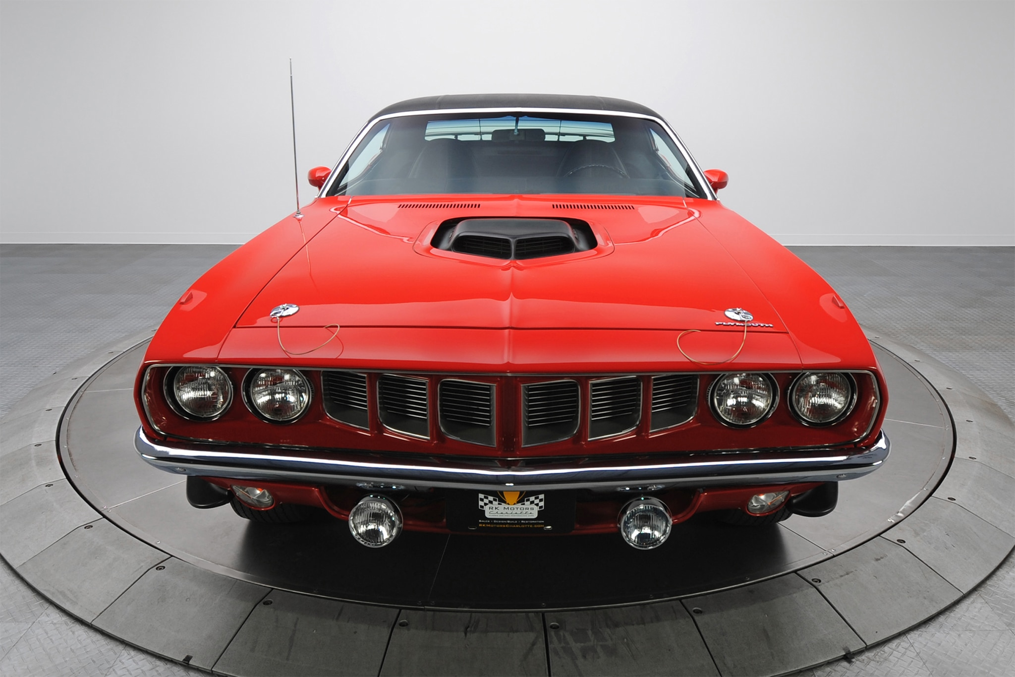 1971-Plymouth-HEMI-Barracuda-front-view-02-7