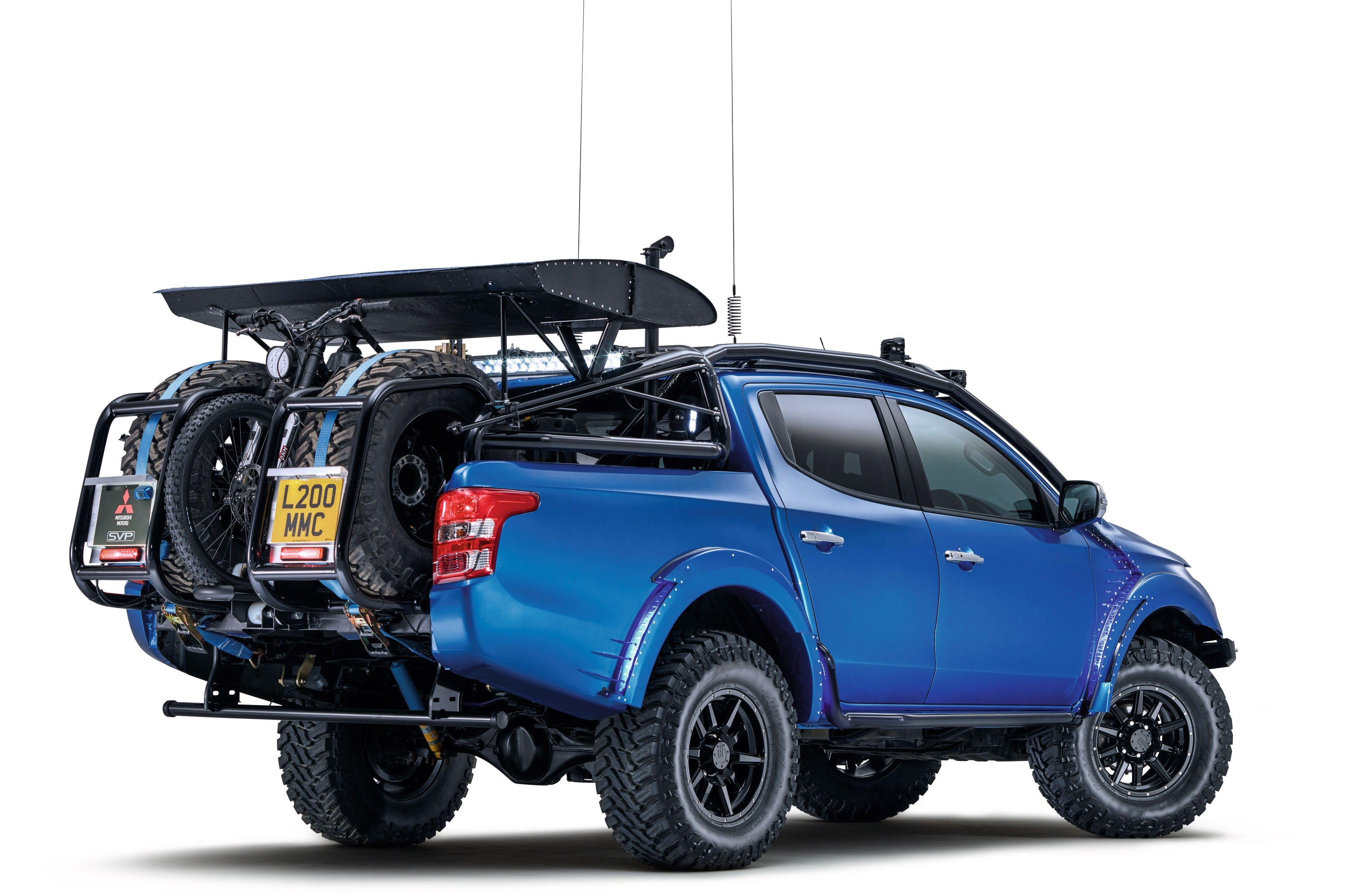 2017 Mitsubishi L200 Desert Warrior rear
