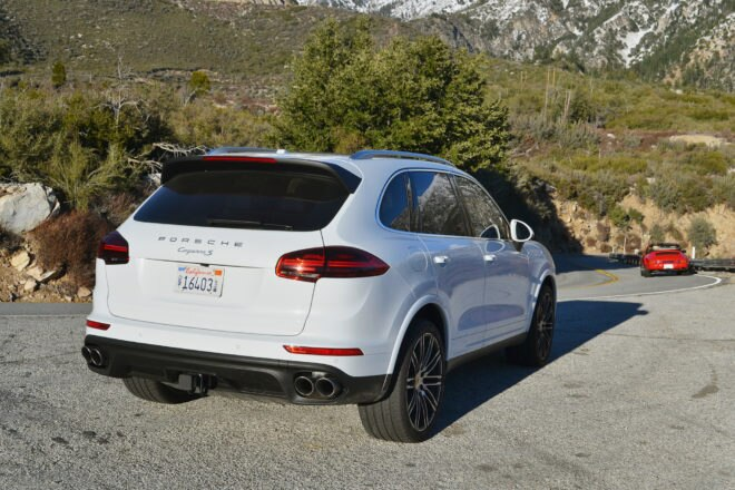 2017 Porsche Cayenne S Rear Three Quarters