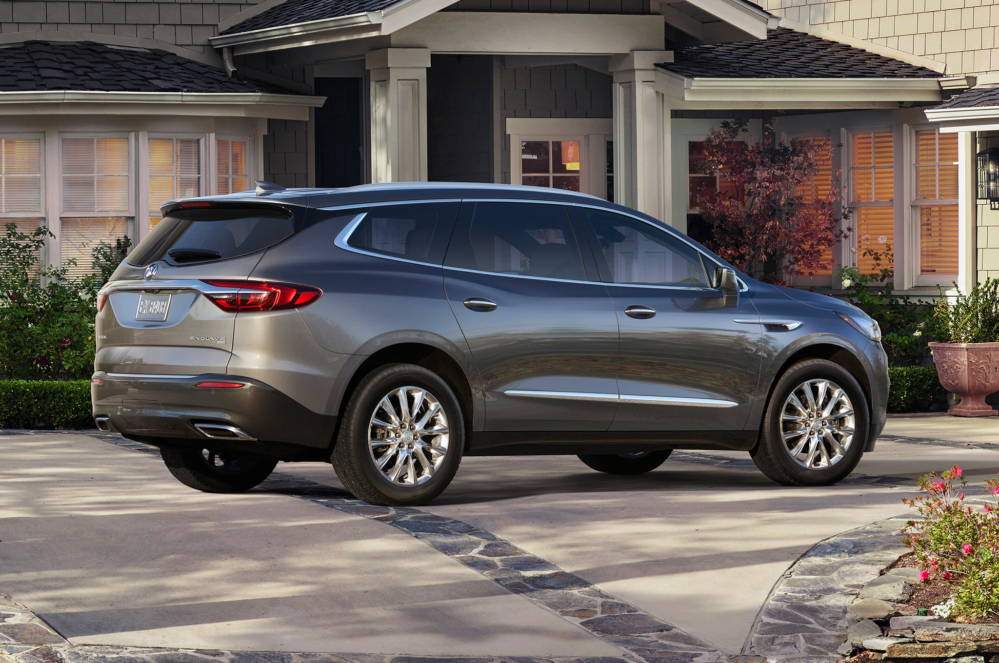 2018 Buick Enclave Ditches Portholes Embraces Class