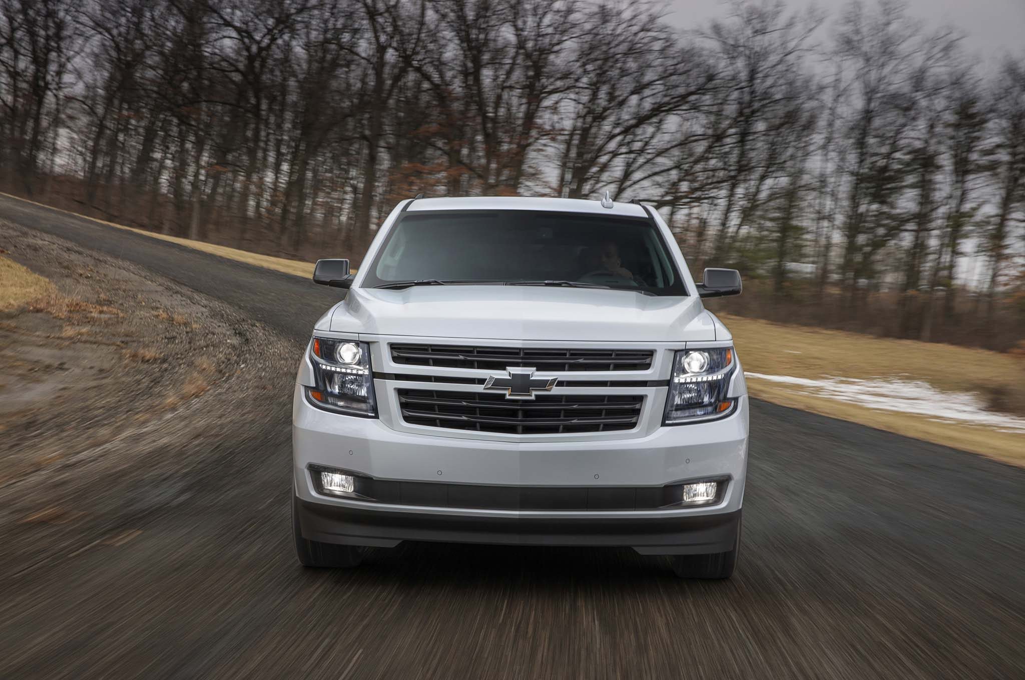 2018 chevrolet tahoe rst is ready to pound pavement. Black Bedroom Furniture Sets. Home Design Ideas