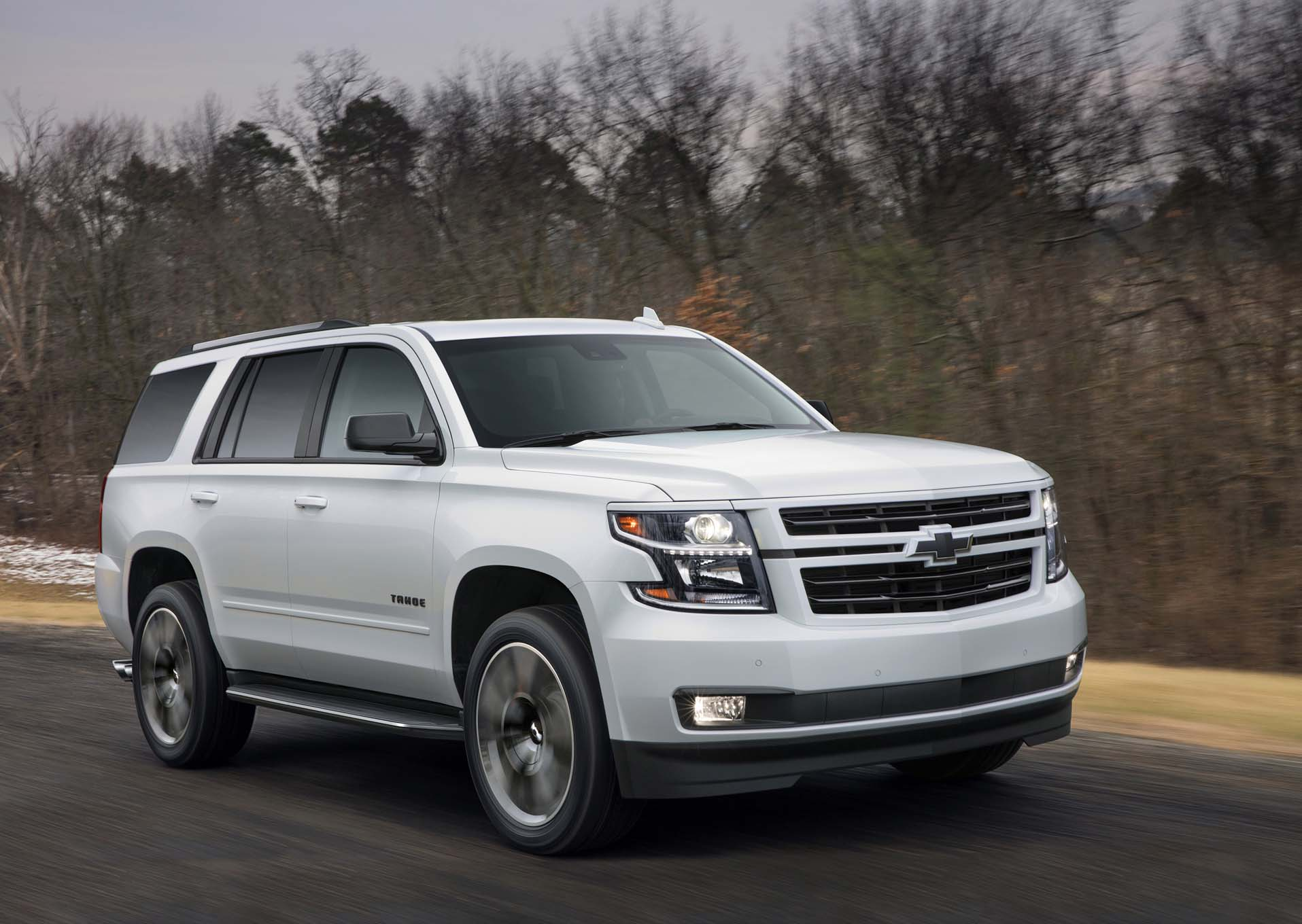 2018 chevrolet tahoe rst is ready to pound pavement automobile magazine. Black Bedroom Furniture Sets. Home Design Ideas