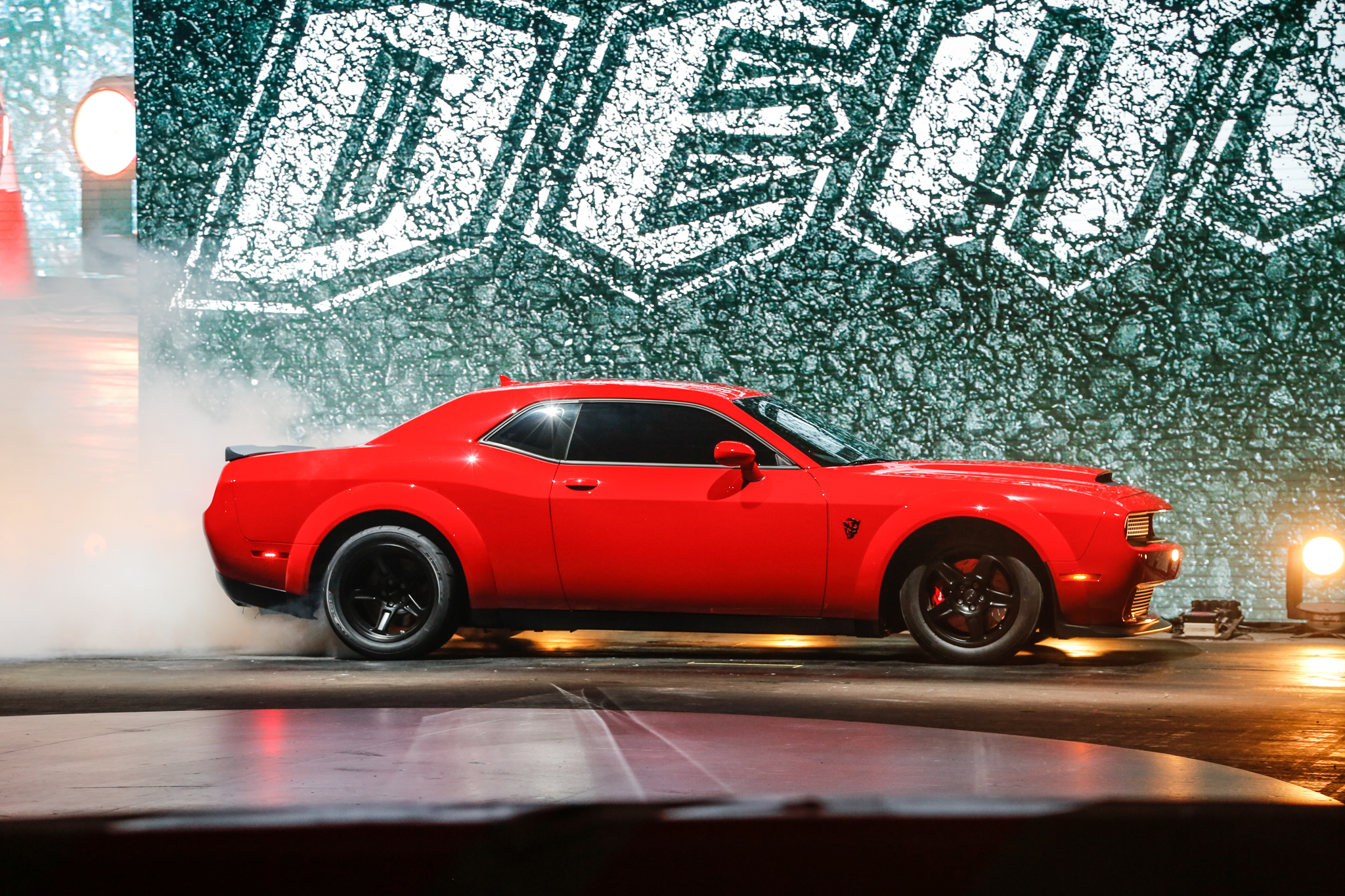 2018 dodge challenger srt demon coming to new york automobile magazine. Black Bedroom Furniture Sets. Home Design Ideas