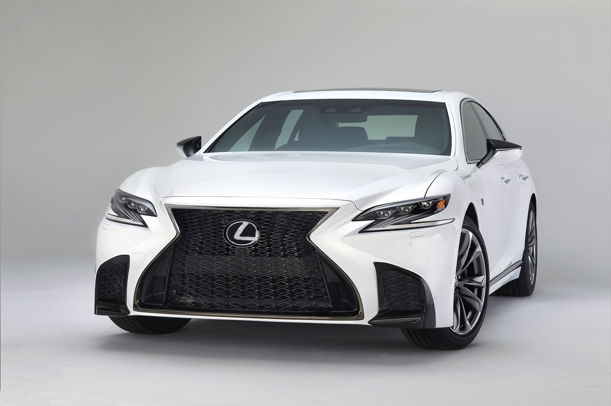 2018 Lexus LS 500 F Sport Front Three Quarter 02