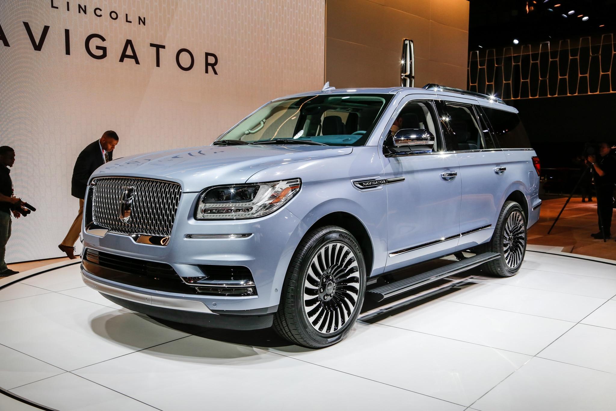 Lincoln lincoln navigator new york auto show 2018 lincoln navigator - Show More