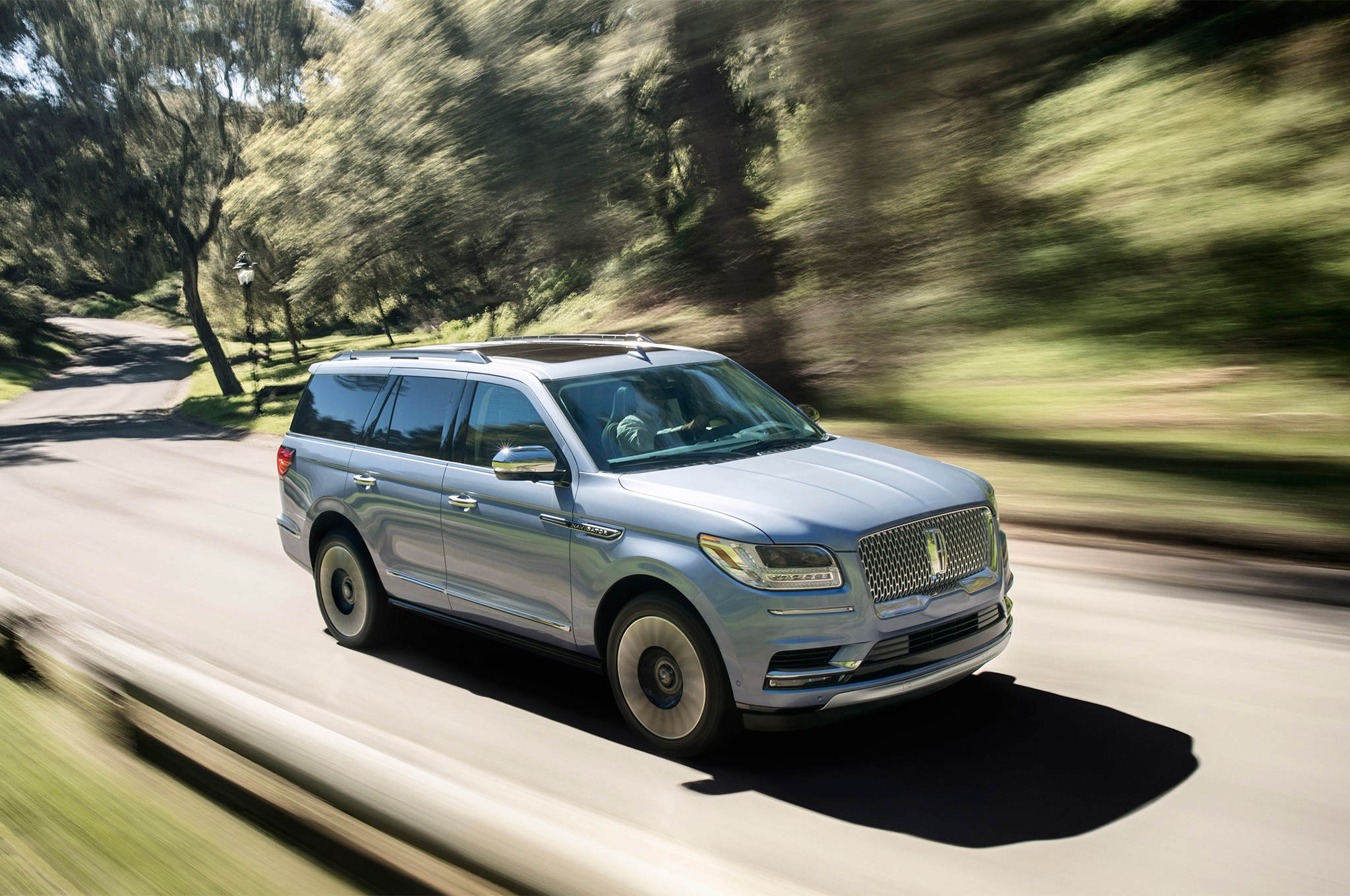 2018 Lincoln Navigator Front Three Quarter In Motion