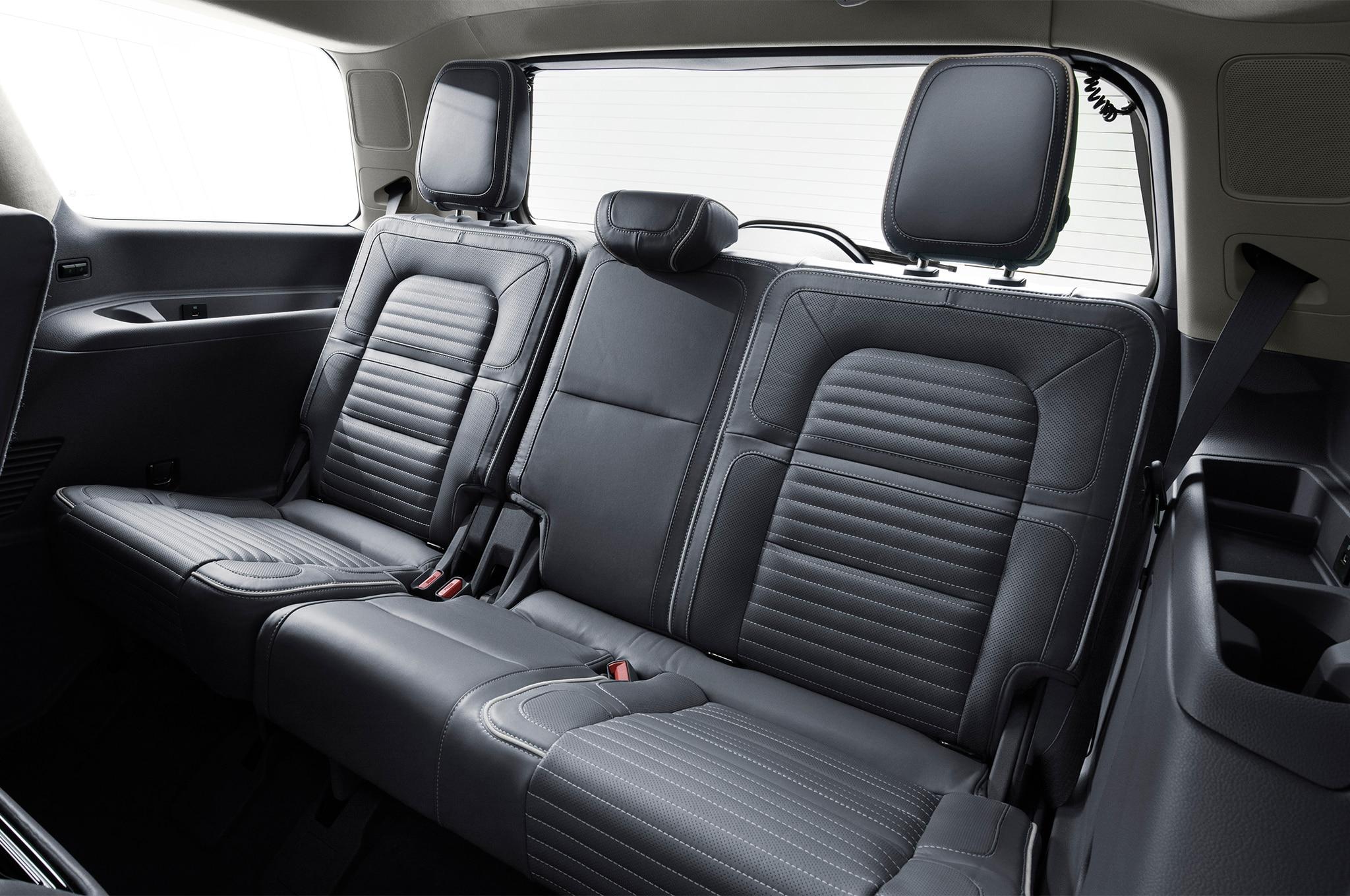 First drive 2018 lincoln navigator reserve automobile magazine for Lincoln navigator interior dimensions