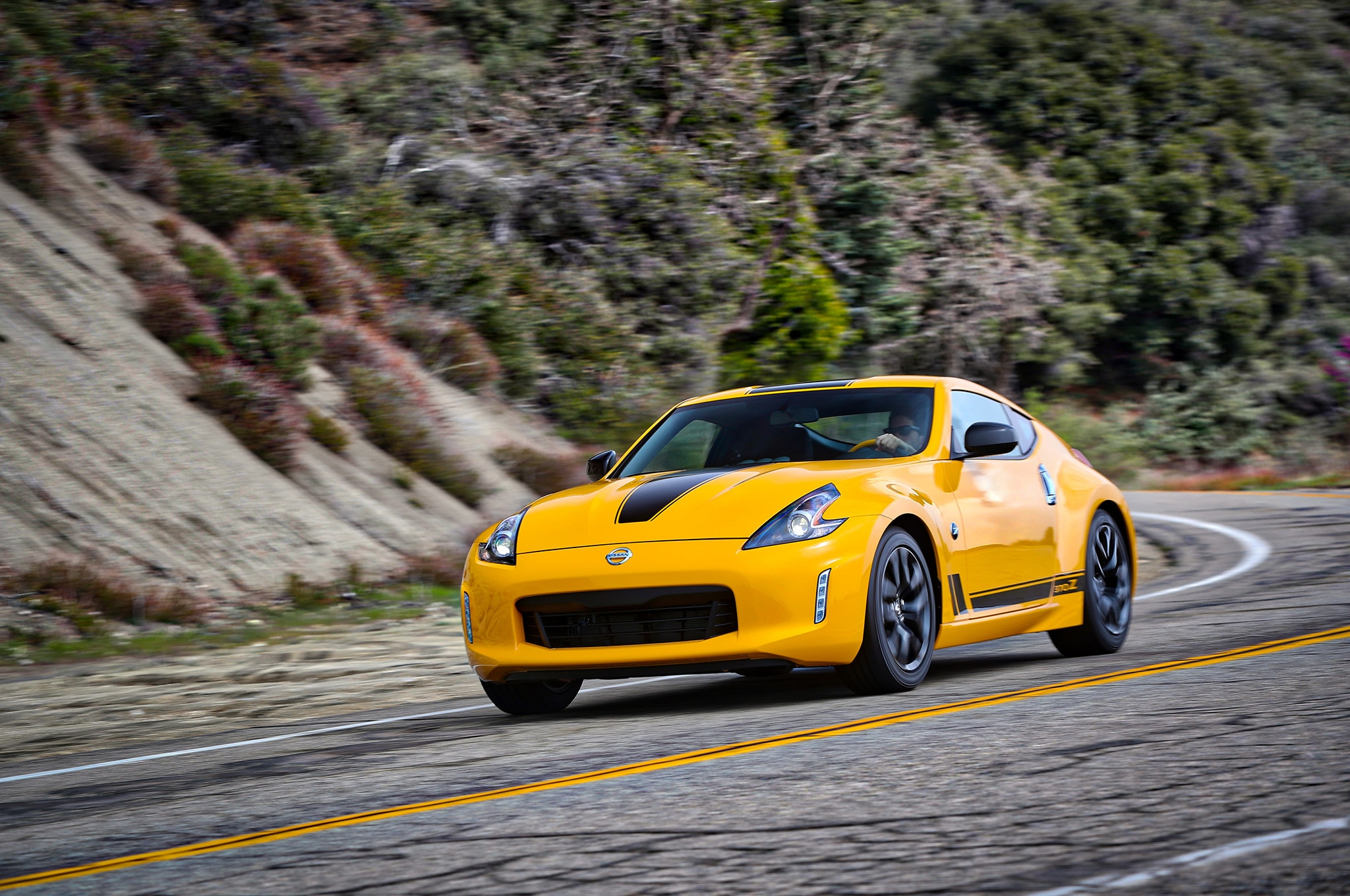 heritage edition joins nissan 370z lineup for 2018 automobile magazine. Black Bedroom Furniture Sets. Home Design Ideas