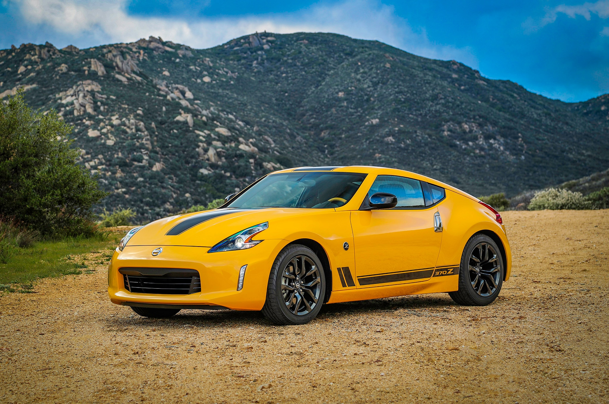Heritage Edition Joins Nissan 370Z Lineup for 2018 ...