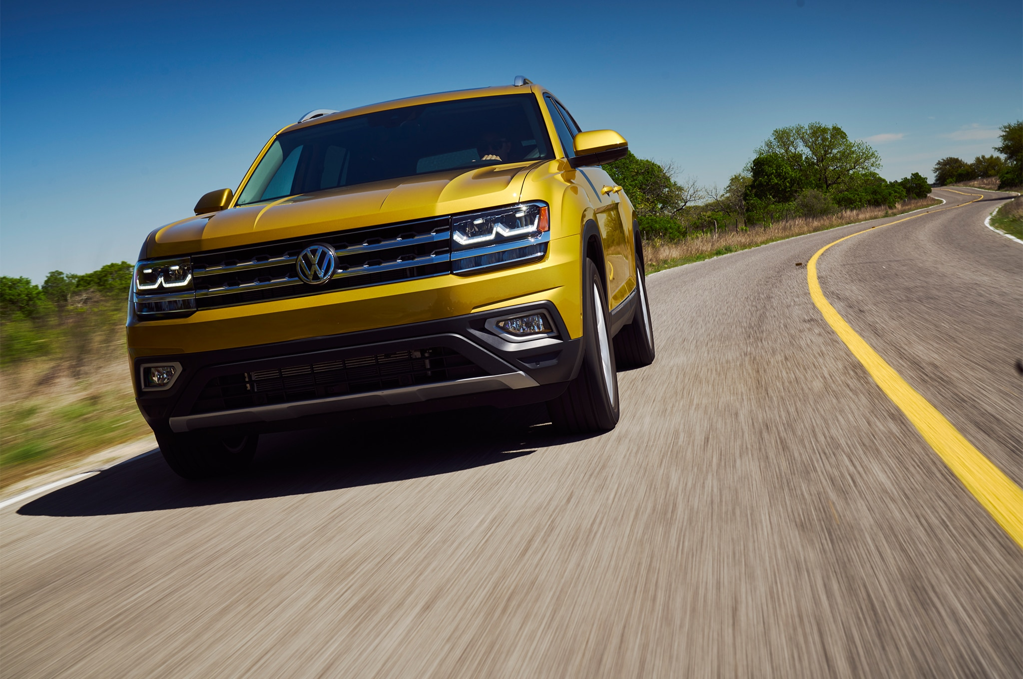 2018 Volkswagen Atlas Front Three Quarter In Motion 05 6