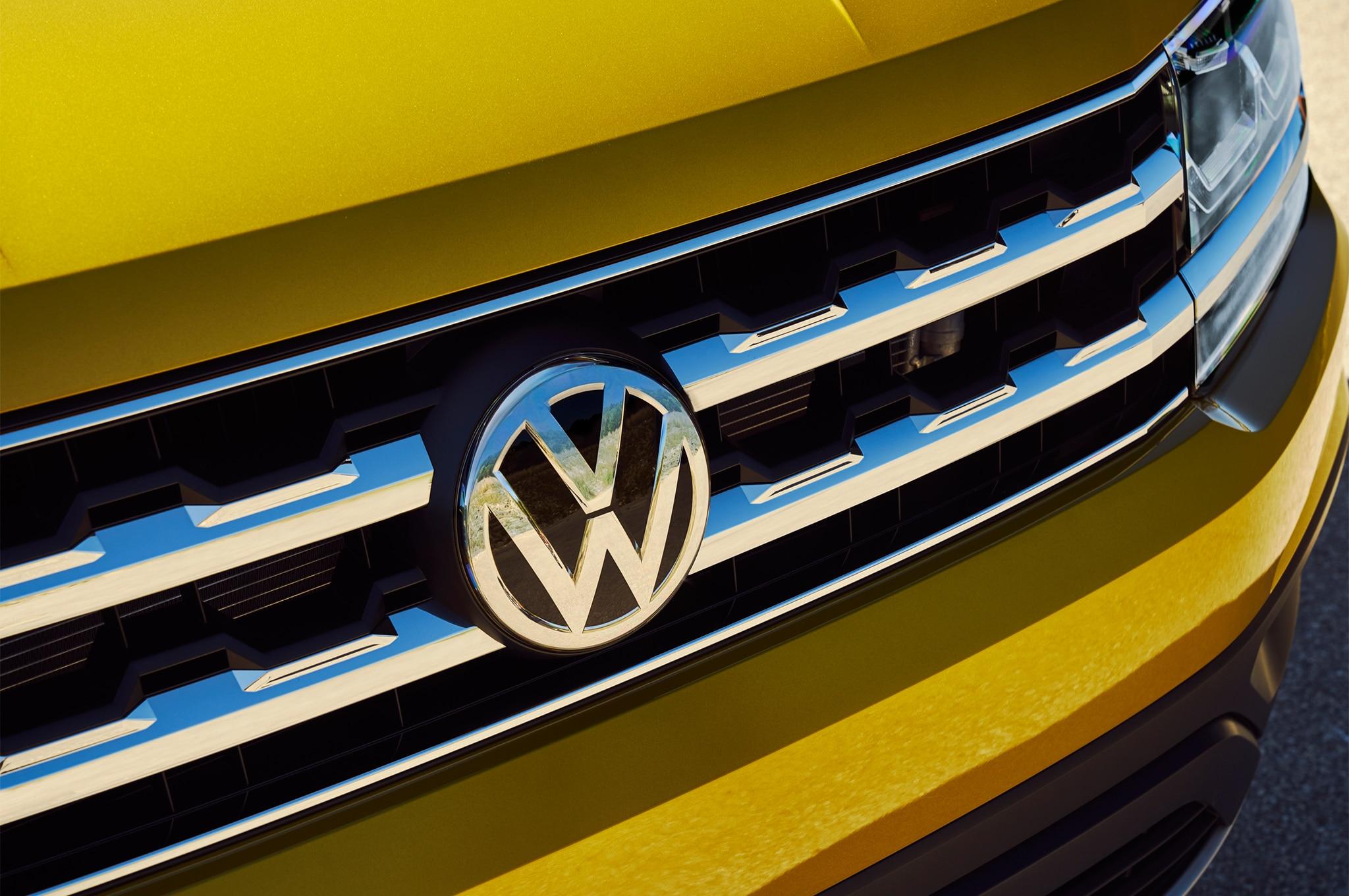 2018 Volkswagen Atlas Grille 02 6