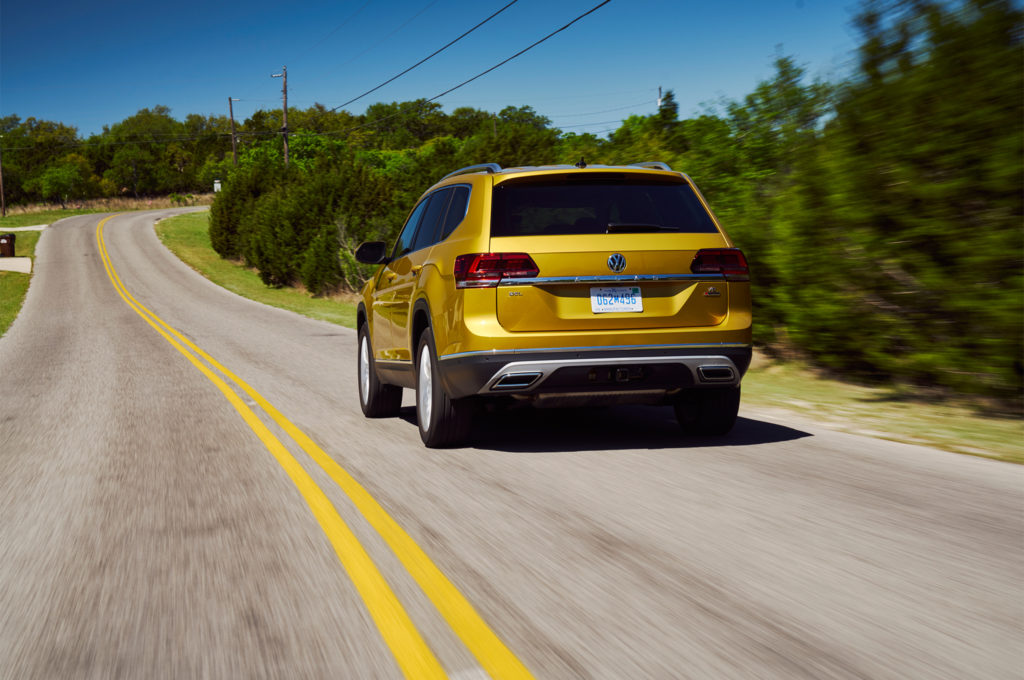 2018-Volkswagen-Atlas-rear-three-quarter-in-motion-01-6