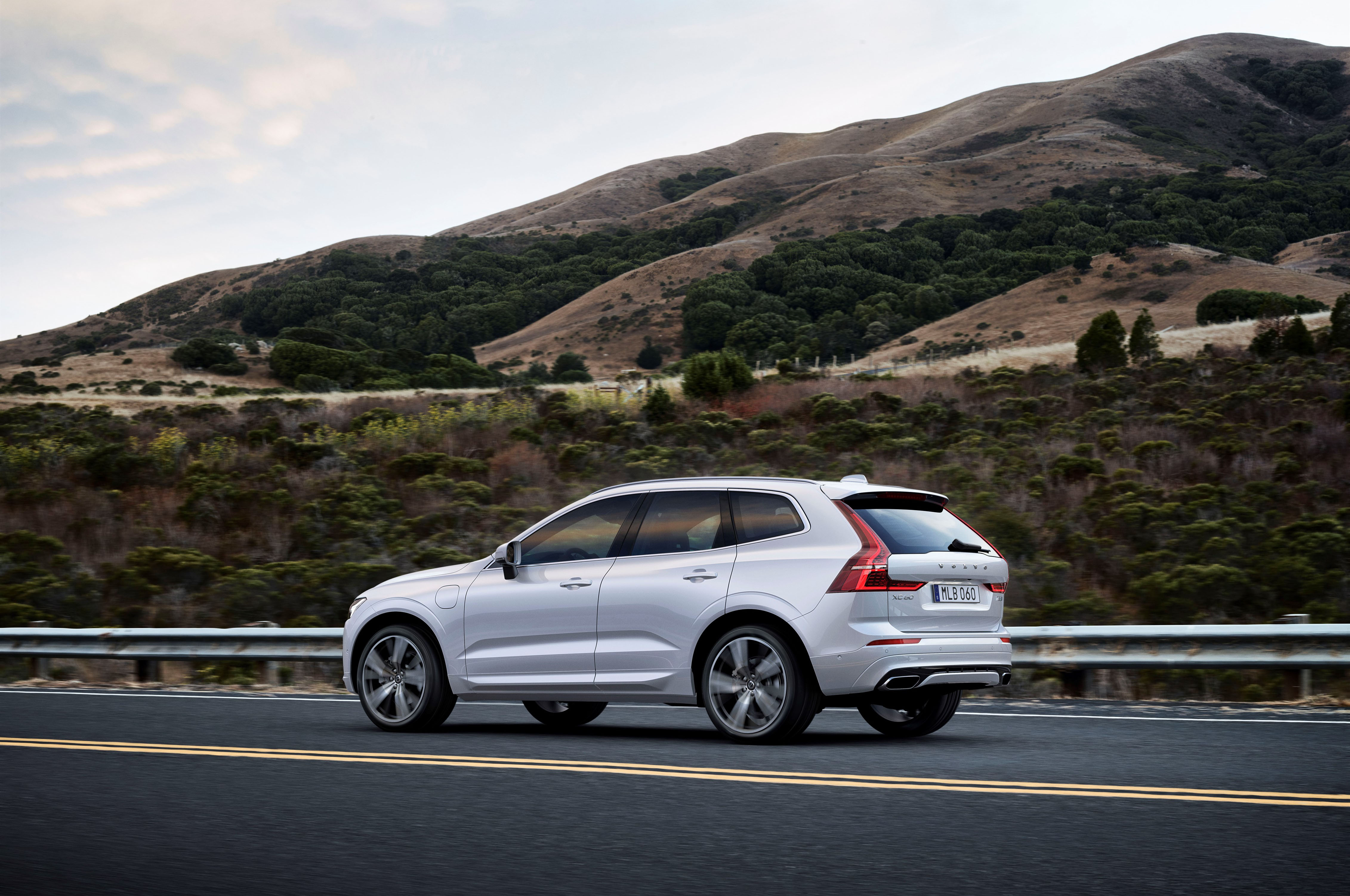 2018 volvo xc60 t6 awd first drive review automobile magazine show more sciox Choice Image