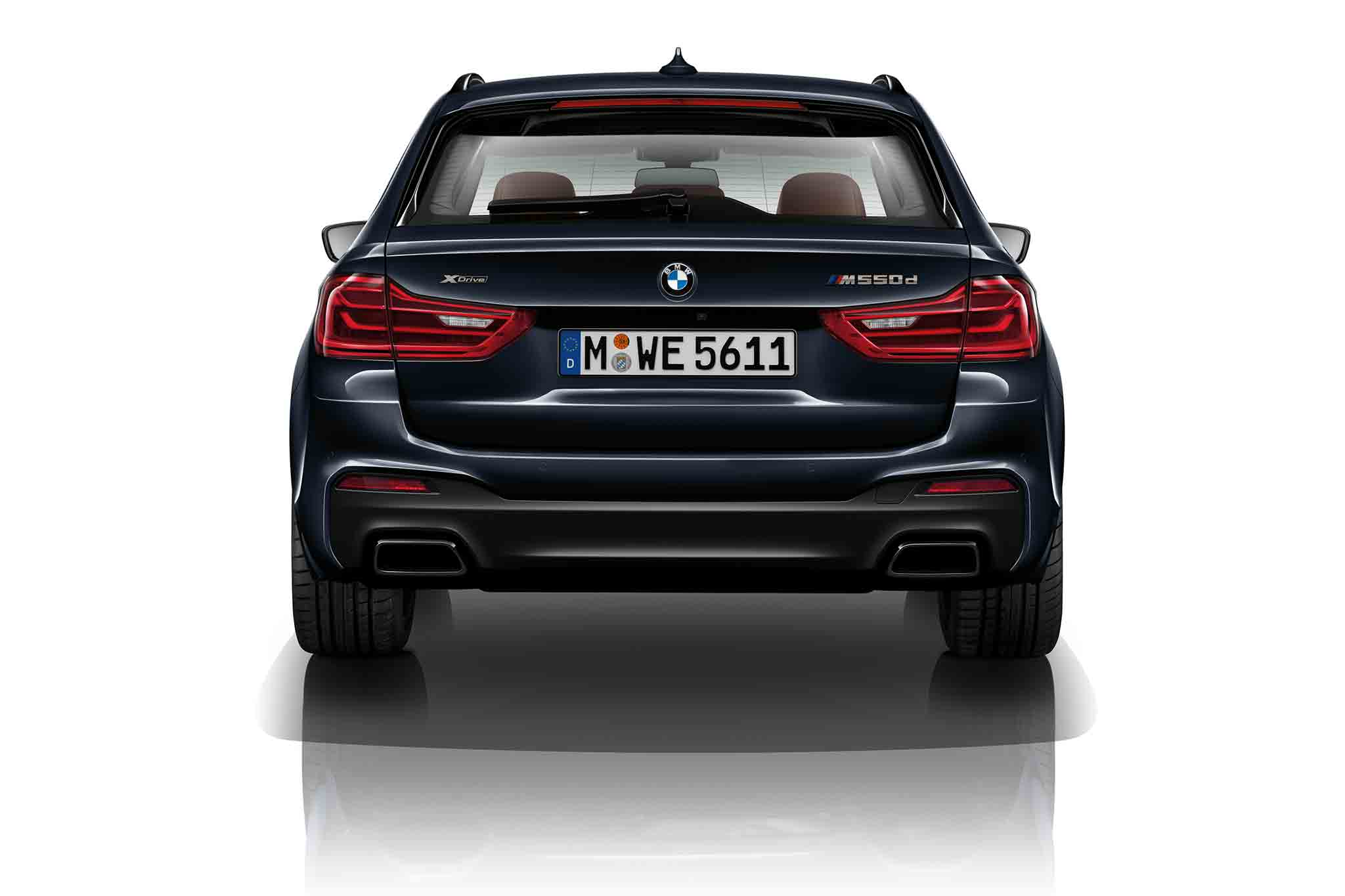 BMW-M550d-xDrive-rear-view-2