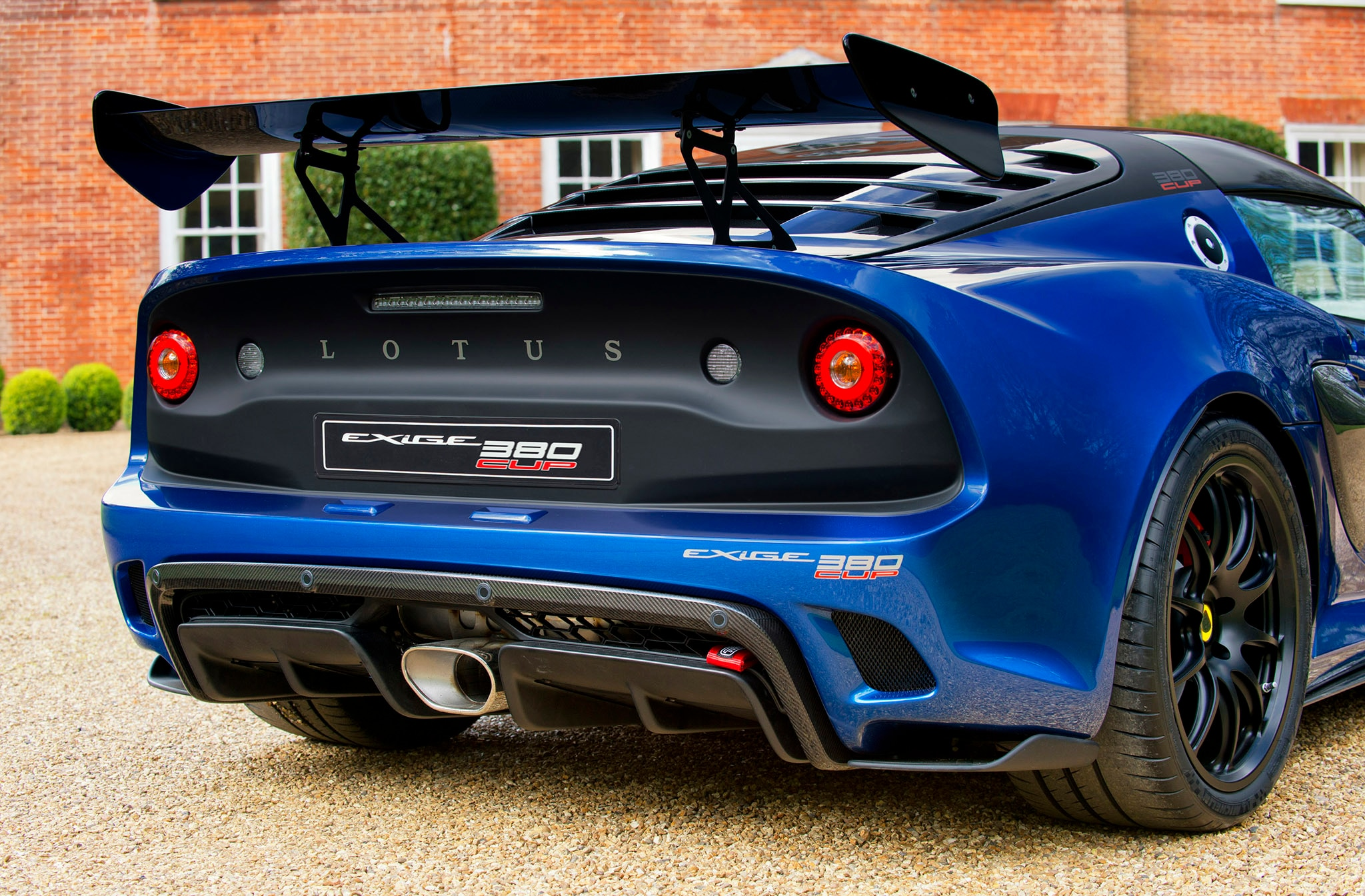 lotus exige cup 380 arrives with race ready looks and specs automobile magazine. Black Bedroom Furniture Sets. Home Design Ideas
