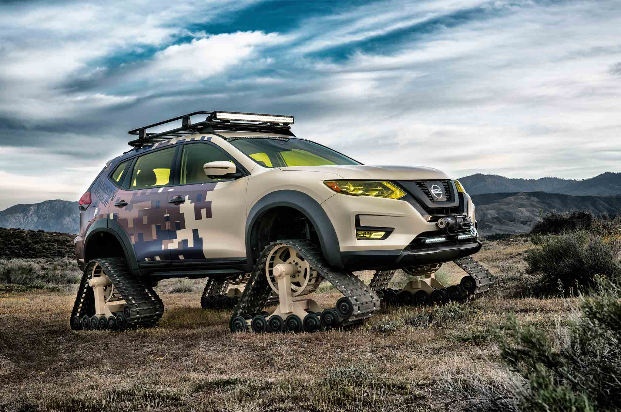 Nissan Rogue Trail Warrior Project Front Three Quarter 01 1