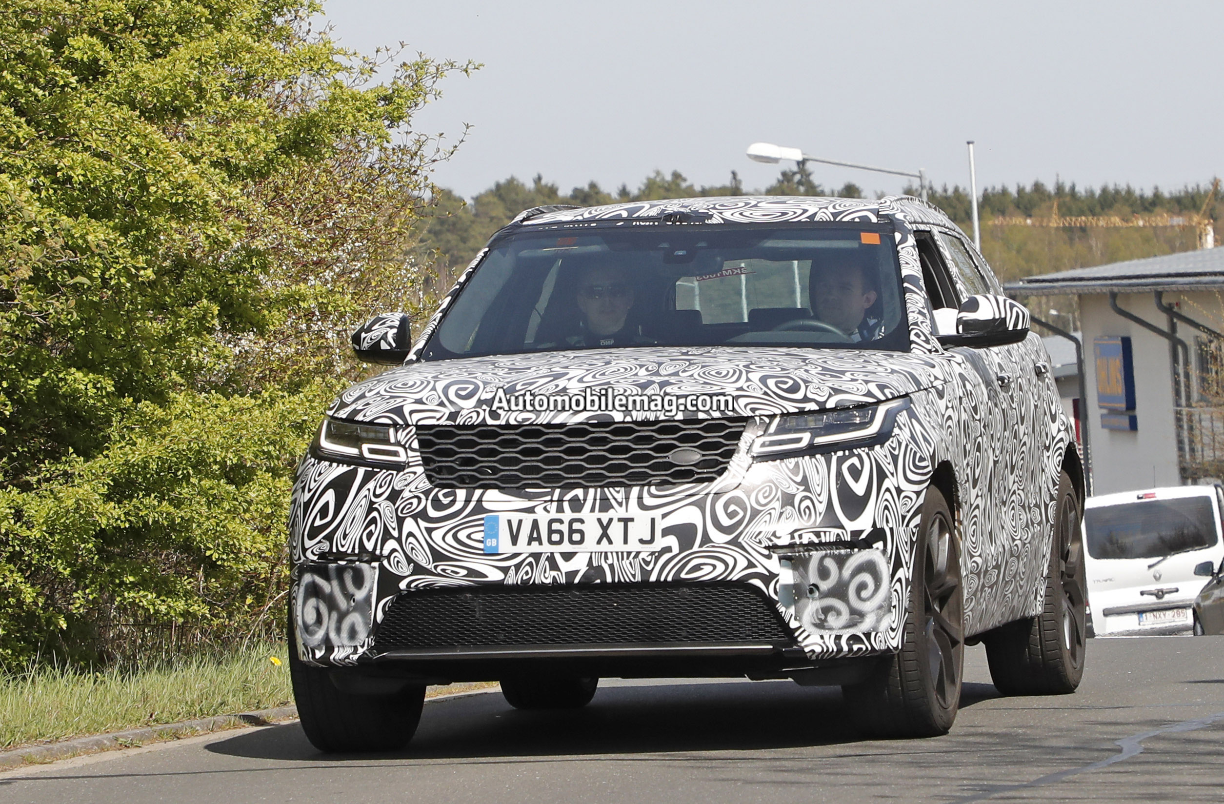 2018 range rover velar svr spied at nurburgring automobile magazine. Black Bedroom Furniture Sets. Home Design Ideas