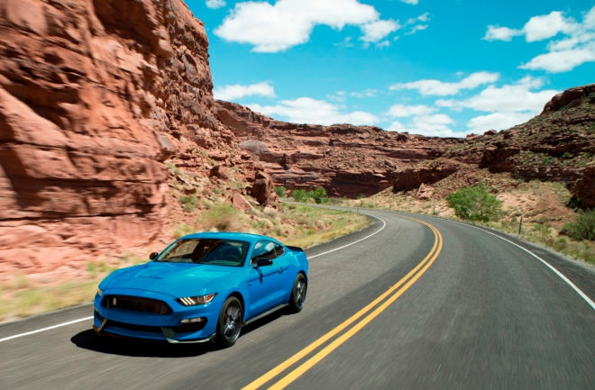 Ford's Shelby GT350 gets another year