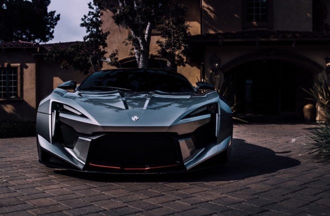 W Motors Fenyr SuperSport Front