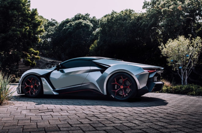 W Motors Fenyr SuperSport Side 660x433