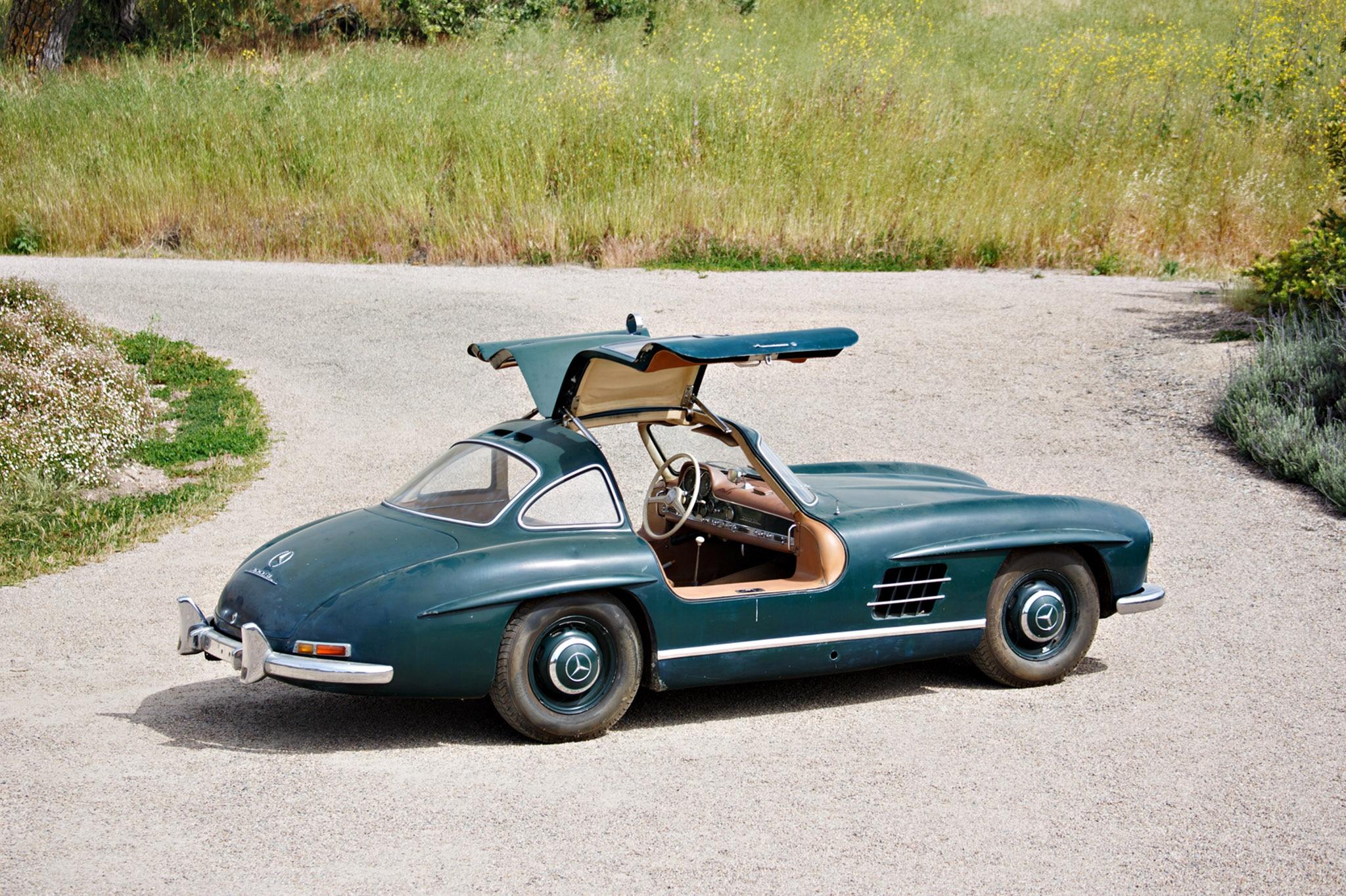 1955_Mercedes Benz_300_SL_Gullwing_by_Brian Henniker